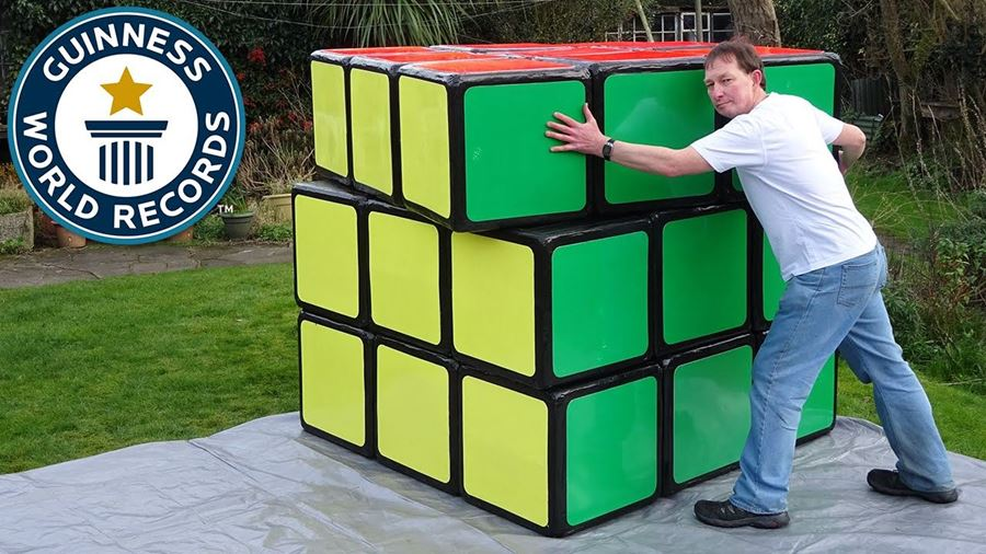 THE WORLDS LARGEST RUBIK'S CUBE !